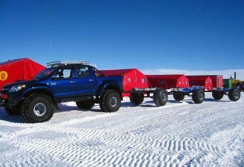 4arctic_trucks_action_funzug