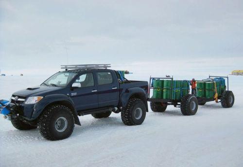 8arctic_trucks_action_funzug